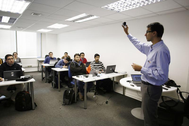 Axis Academy Perú Mar 2018