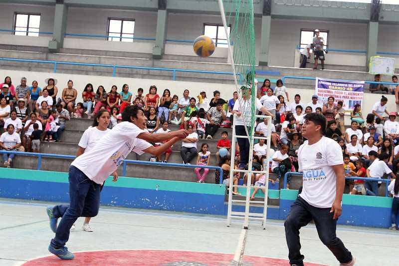 Campeonato de vóley con beneficiarios de programa 'Agua para el Pueblo'