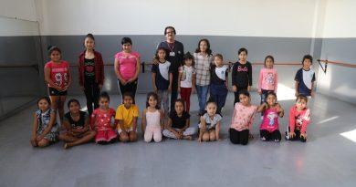 """Veinticinco niños de Moche son beneficiados con programa de inclusión social """"Danzando en la arena"""""""